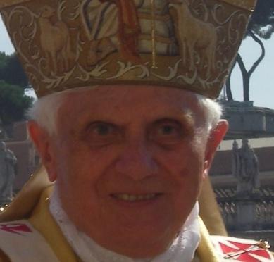pope_benedict_xvi_blessing1